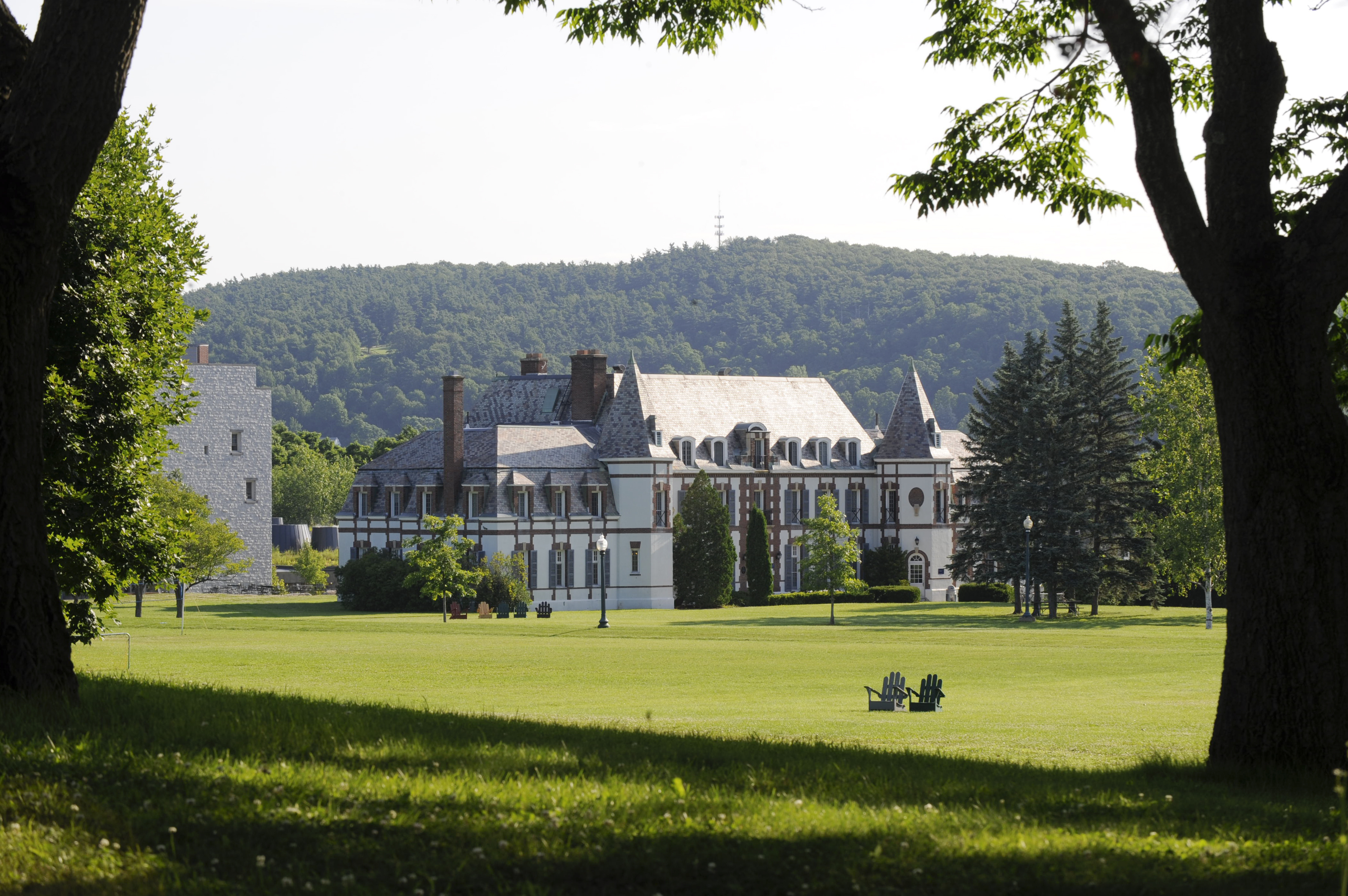 MIDDLEBURY COLLEGE CAMPUS – MIDDLEBURY, VERMONT